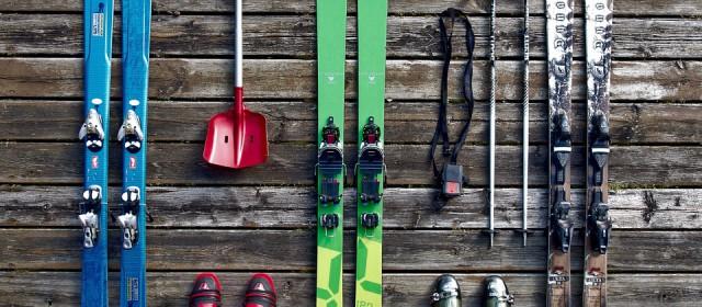Skier en toute sécurité : les règles à suivre